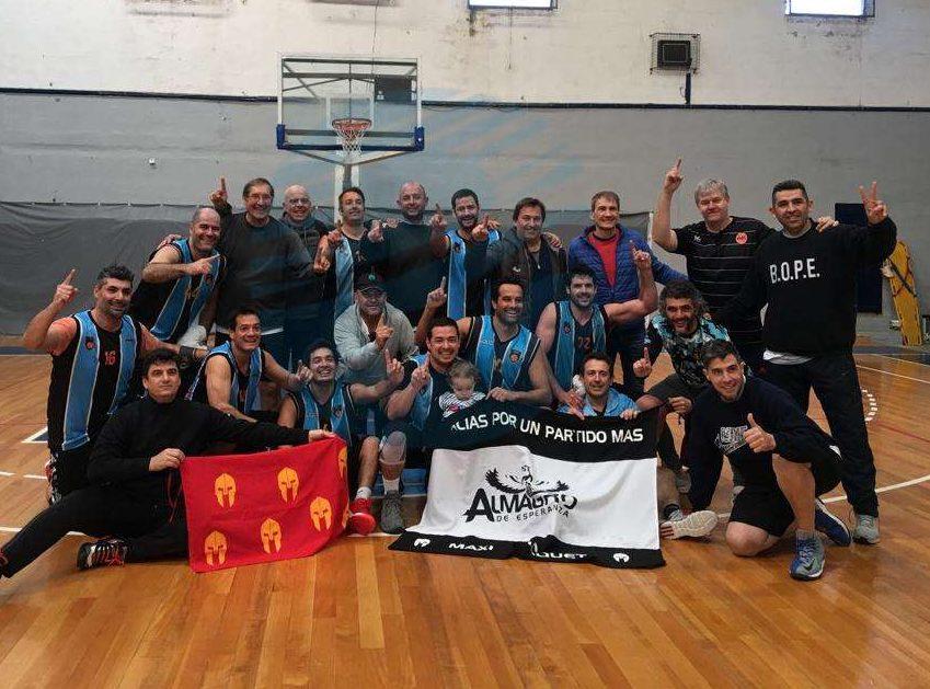 Almagro gritó Campeón en dos competencias de maxibásquet